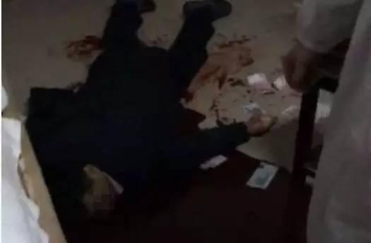 靖江骨科名医在家中被杀 血泊中洒满钱